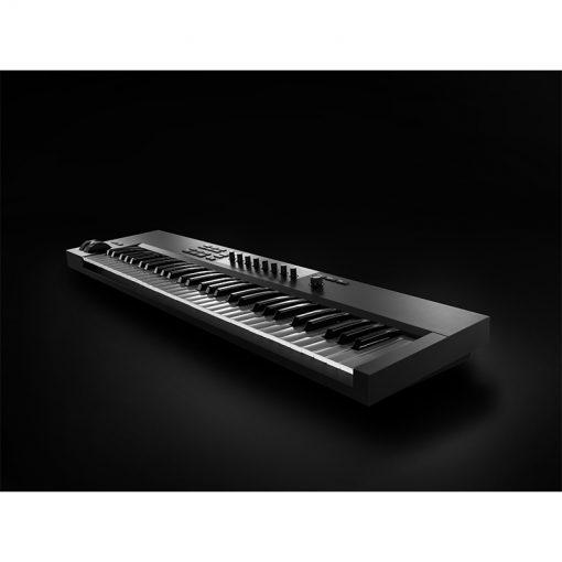 Native Instruments Komplete Kontrol A61 Keyboard Controller-05