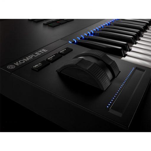 Native Instruments Komplete Kontrol S49 Mk2 Keyboard Controller-10