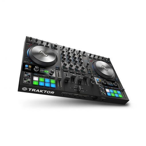 Native Instruments Traktor Kontrol S4 MK3 4-channel DJ Controller-03