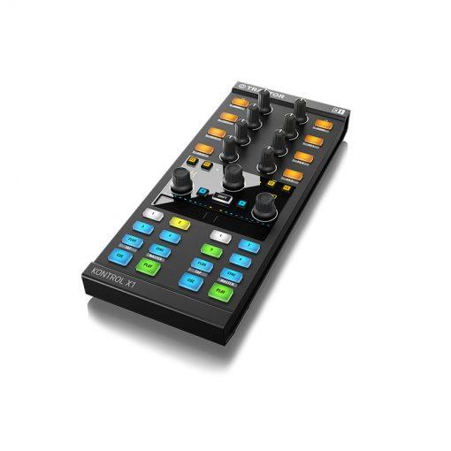 Native Instruments Traktor Kontrol X1 Mk2 DJ Controller-02