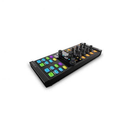 Native Instruments Traktor Kontrol X1 Mk2 DJ Controller-05