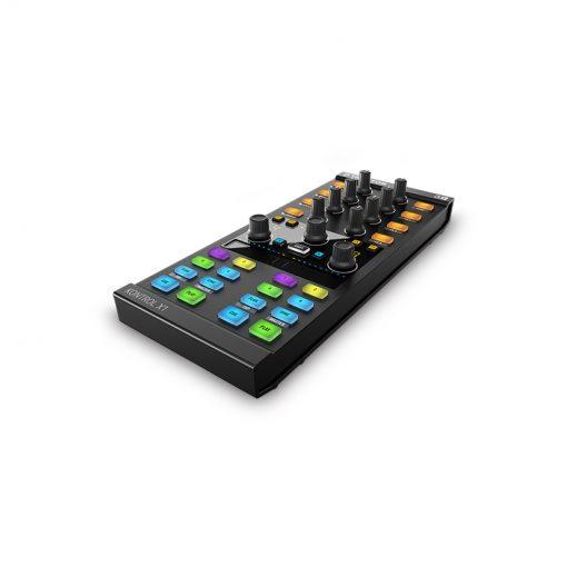 Native Instruments Traktor Kontrol X1 Mk2 DJ Controller-08
