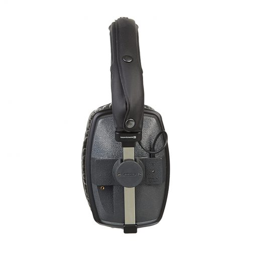 Beyerdynamic DT 150 Closed-back Isolating Studio Headphones-01