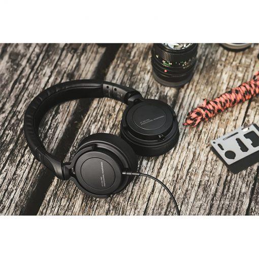 Beyerdynamic DT 240 PRO Mobile Closed-back Studio Headphones-04