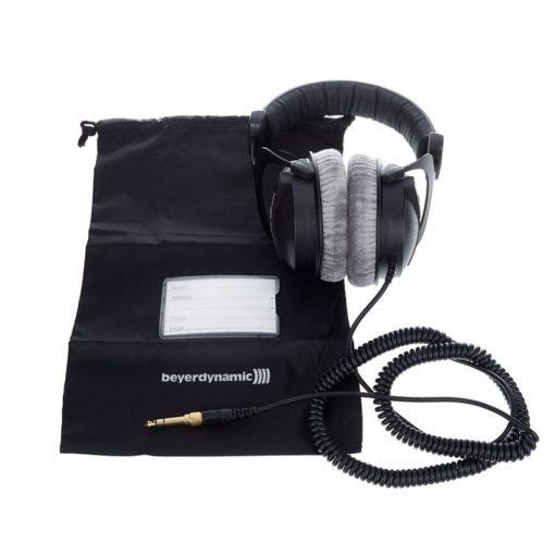 Beyerdynamic DT 770 Pro 250 ohm Closed Studio Headphones-12
