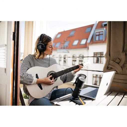Beyerdynamic DT 770 Pro 32 ohm Closed Studio Headphones-03