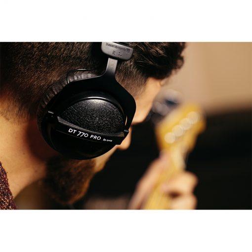 Beyerdynamic DT 770 Pro 80 ohm Closed Studio Headphones-09