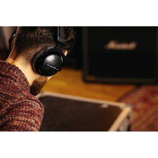 Beyerdynamic DT 770 Pro 80 ohm Closed Studio Headphones-10