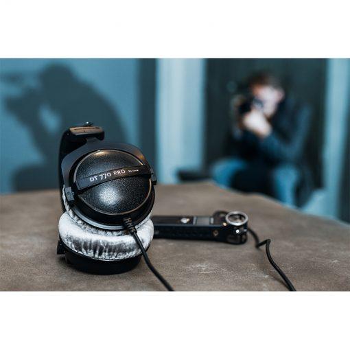 Beyerdynamic DT 770 Pro 80 ohm Closed Studio Headphones-11