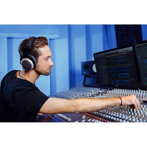 Beyerdynamic DT 880 Pro Semi Open Studio Headphone-07