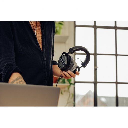 Beyerdynamic DT 990 Pro 250 ohm Open-back Studio Headphones-06