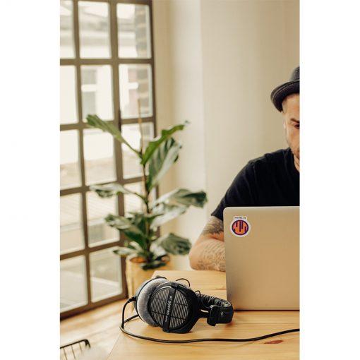 Beyerdynamic DT 990 Pro 250 ohm Open-back Studio Headphones-10